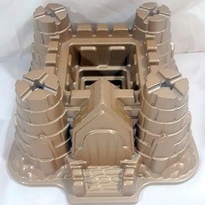 Castle Bundt Pan Cake Mold - 10 Cup